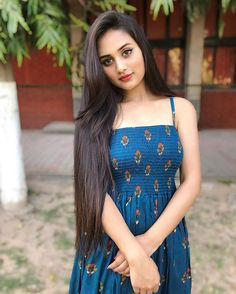 Look Your Best With This Fashion Advice Cute Girl Pic, Stylish Girl Pic, Beautiful Girl Indian, Beautiful Girl Image, Beauty Full Girl, Beauty Women, Long Indian Hair, Girl Attitude, Brunette Girl
