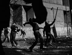 Paolo Pellegrin - Egipto, noviembre 2011 - El Cairo, Egipto. Mohammed Mahmud, uno de las calles principales que llevan a la Plaza Tahir, es donde algunos de los momentos más dramáticos y violentos de todo Egipto han sucedido.
