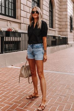 Outfit Jeans, Shorts Outfits Women, Summer Shorts Outfits, Summer Jeans, Summer Outfits Women, Boho Outfits, Shirt Outfit, Black Denim Shorts Outfit, Summer Clothes