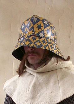 Painted sallet helmet Medieval Helmets, Medieval Weapons, Knight Drawing, Mask Painting, Helmet Paint, Landsknecht, Wars Of The Roses, Knight Armor, Armours