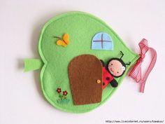 Развивающие игры из фетра Diy Children's Books, Diy Quiet Books, Baby Quiet Book, Felt Quiet Books, Fabric Toys, Fabric Houses, Felt Fabric, Easy Diy Crafts, Handmade Crafts