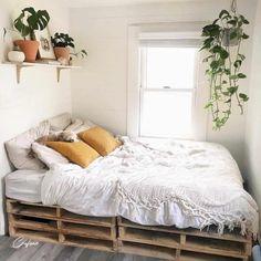 Wooden Pallet Beds, Pallet Bed Frames, Pallet Furniture, Diy Pallet Bed, Pipe Furniture, Industrial Furniture, Industrial Lamps, Pallet Ideas, Wooden Bed Frame Diy