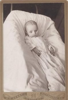 Post Mortem Photo of Baby in Lace Dress w Wide Glazed Eyes Pittsburgh PA | eBay