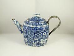 Rare Antique Wedgwood Blue & White Pearlware Silver Shape Teapot circa 1800