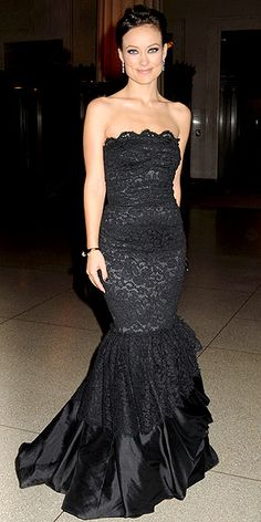 Party Dress du Jour: Olivia Wilde in a Dolce & Gabbana gown, House of Lavande vintage cuff and an Iwona Ludyga Design bracelet at the American Museum of Natural History gala in NYC. Strapless Dress Formal, Formal Dresses, Olivia Wilde, Night Looks, Cute Dresses, Amazing Dresses, Red Carpet Fashion, Dream Dress, Evening Gowns
