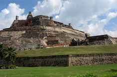 Castle of San Felipe de Barajas, in Cartagena, Colombia. - Tour the Walled City and Experience the history Colombia Travel, Walled City, Top Travel Destinations, Walking Tour, Monument Valley, Places To Visit, Tours, Columbia, Vernon