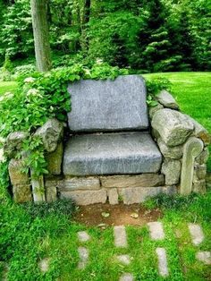 A beautiful Garden Throne in the backyard of house