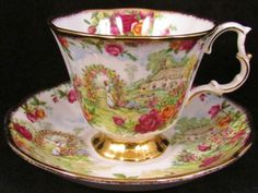 ROYAL-ALBERT-OLD-COUNTRY-ROSES-ANNIVERSARY-TEA-CUP-AND-SAUCER