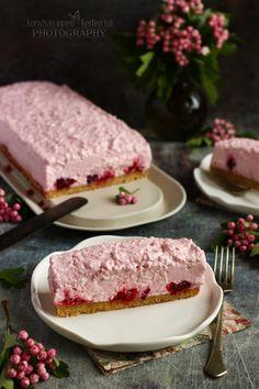 Szedres-málnás túrótorta recept - Kifőztük, online gasztromagazin Hungarian Recipes, Cheesecakes, Cake Cookies, Tart, Sandwiches, Food And Drink, Cooking Recipes, Yummy Food, Sweets