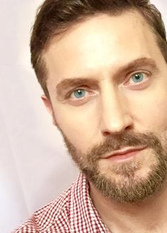 Richard Armitage selfie, tweeted June 1, 2015, which I liked a lot. You can kiss me with those lips anytime, Mr. Armitage!