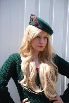 Highlanders Beret green wool felt tartan by RedDragonflyAKATOMBO Tartan Fashion, Scottish Fashion, Love Hat, Traditional Fashion, Green Wool, Caps For Women, Tartan Plaid, Wool Felt, Autumn Fashion