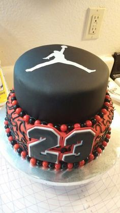 1000 Ideas About Michael Jordan Cake On Pinterest