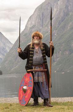 norseminuteman Viking Garb, Viking Reenactment, Viking Men, Viking Life, Medieval Clothing, Historical Clothing, Norse Vikings, Armours, Dark Ages