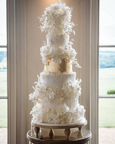 Ivory and gold luxury wedding cake by Cakes By Krishanthi.- Ivory and gold luxury wedding cake by Cakes By Krishanthi. Image by Pippa MacKenzie Luxury Wedding Cake, Floral Wedding Cakes, Fall Wedding Cakes, Wedding Cake Decorations, Wedding Cake Designs, Floral Cake, Wedding Gowns, Snowflake Wedding Cake, Wedding Themes