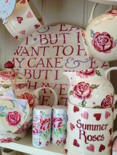 62 Ideas Kitchen Accessories Pink Emma Bridgewater For 2019 Emma Bridgewater Pottery, Welsh Dresser, English Pottery, Pip Studio, Rose Cottage, Vintage China, Dorm Decorations, Tea Party, Tea Cups