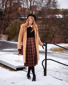 jerianie。 - Favorite Fall/Winter looks 🍁❄️ Modest Dresses, Modest Outfits, Cute Outfits, Preppy Outfits, Womens Fashion Online, Latest Fashion For Women, Ladies Fashion, Moda Vintage, Mode Chic