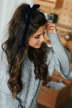 Three Holiday Approved Hairstyles - Andee Layne - Care - Skin care , beauty ideas and skin care tips Pretty Hairstyles, Braided Hairstyles, Simple Hairstyles, Holiday Hairstyles, Perfect Hairstyle, Office Hairstyles, Hairstyles 2016, Evening Hairstyles, Bandana Hairstyles