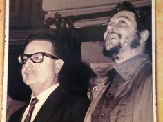 Che Guevara y Salvador Allende Victor Jara, Celebridades Fashion, Ernesto Che Guevara, Fidel Castro, Special People, Photojournalism, Revolutionaries, Cool Photos, Boyfriends