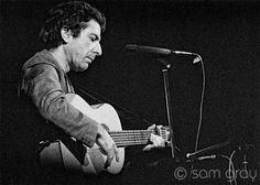 Rare Photos: Leonard Cohen Performs In Edinburgh 1974