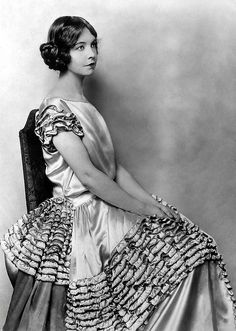1920s star of the silver screen Lillian Gish, this ruffled dress is fantastic isn't it?