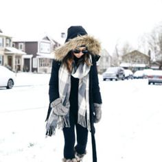 Snow day cute winter outfits, winter fashion outfits, winter travel out Snow Outfits For Women, Winter Outfits Women, Casual Winter Outfits, Winter Fashion Casual, Summer Fashion Outfits, Trendy Fashion, Boho Fashion, Fashion Women, Fashion Trends