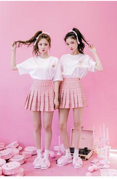 Nice to meet chuu ; Kawaii Fashion, Cute Fashion, Asian Fashion, Girl Fashion, Friend Outfits, Girl Outfits, Cute Outfits, Fashion Outfits, Fashion Tips