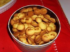 Língua de Gato, or Cat's Tongue Cookies, are delicious little Portuguese style treats.
