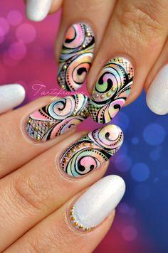 nail art abstrait fluo spirale