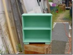 A very simple idea is to turn a drawer into a shelf, like this one / Upcycle, repurpose, reuse, recycle