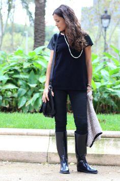 Blusa / shirt: Zara, Pantalones / pants: Zara, Botas de agua / rain boots: Oysho , Chaqueta / Jacket: Suiteblanco, Bolso /...