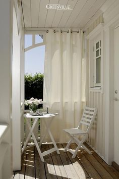 10 Tiny Furniture Ideas for Your Balcony - Balkon Design - Balcony Furniture Design Apartment Balcony Decorating, Apartment Balconies, Apartment Living, Cozy Apartment, Balcony Curtains, Balcony Privacy, Outdoor Curtains For Patio, Hang Curtains, Privacy Curtains