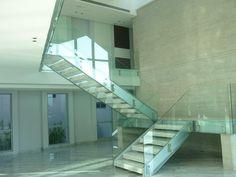 #Guataparo #Valencia #Carabobo #Venezuela  #Modern #Casa #Chez #Maison #Homes #Panorama #Designe #diseño #escalera #glass