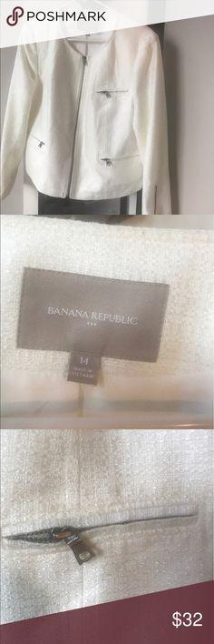 White banana republic suit jacket zipper detail White banana republic suit jacket with zipper detail. Size 14. Looks great with a dress or pants Banana Republic Jackets & Coats Blazers