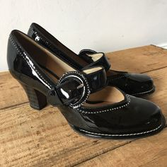 e6bb45591a9 UK SIZE 3 WOMENS CLARKS BOMBAY LUCK BLACK PATENT MARY JANE HEELS VINTAGE  LOOK  Clarks