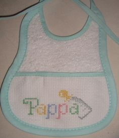 Photo gallery of foto punto croce. Cross Stitch For Kids, Cross Stitch Baby, Diy Bebe, Stitch 2, C2c, Baby Crafts, Cross Stitch Designs, Baby Sewing, Baby Bibs