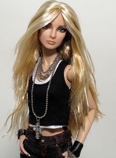Lynn by Peewee Parker, via Flickr Had to pin this, she looks just like my hairstylist ,Somer !