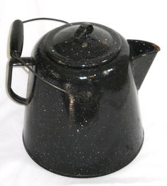 Dscn3100 Black spatter ware granite enamel coffee pot