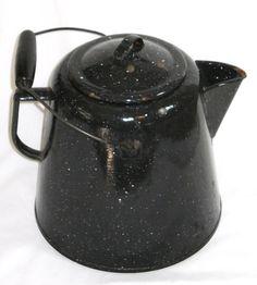 Dscn3100 Black spatter ware granite enamel coffee pot