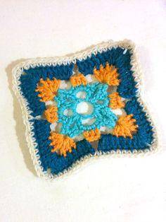 Granny #351 - 17 December 2014 #crochetmoodblanket2014 #sylphdesigns http://sylph.ee