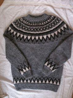 Ravelry: Palmqvist's Traditional icelandic men´s lopi pullover {pattern: 32 by Istex; yarn: Plotulopi}