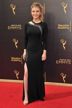 genevieve-hannelius-at-creative-arts-emmy-awards-in-los-angeles-09-10-2016_3.jpg…
