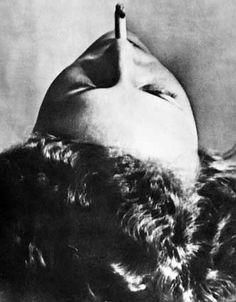 * Man Ray - Sans titre (tête à la cigarette, 1920)