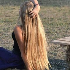 590 Likes, 1 Comments - Sexiest Hair Golden Blonde, Dark Blonde, Blonde Hair, Long Blond, Layered Cuts, Female Images, Curls, Dreadlocks, Long Hair Styles