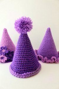 Easy Crochet Party Hats -- so fun and easy! great for ringing  in the new year!