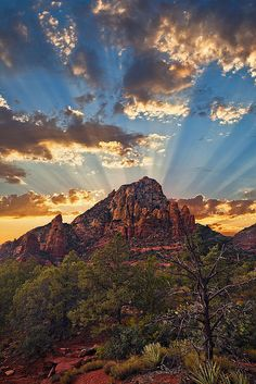 Thunder Mountain Majesty by Guy Schmickle, via Flickr; Sedona, Arizona