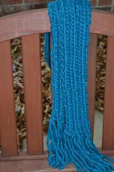 this super quick and easy ribbed scarf is the perfect last minute project for a