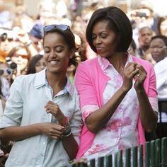 Malia and her mother dancing at the annual White House Easter egg roll. - #BarackObama #MichelleObama  #POTUS #FLOTUS #blackhistory  #blackhistorymonth  #MaliaObama #SashaObama  #forevermypresident #forevermyfirstlady #FOREVER44 #FLOTUS44  #farewellobama  #Obamafoundation #Obama #obamafarewell #wemissyouobama  #colors#world #obamafamily_forever_44#obamaismypresident