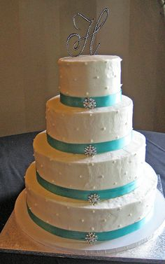 buttercream cake with ribbon