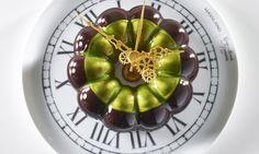 La Magia del Tempo, torta al cioccolato, frutti esotici e nocciola preparata dal Team Italiano che ha trionfato ai Mondiali di Pasticceria.