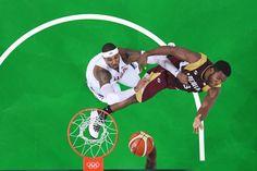 Die amerikanischen Basketballer trafen in ihrem zweiten Gruppenspiel auf...
